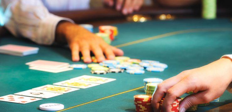 poker dealer