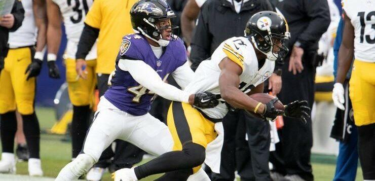 raven tackles steeler